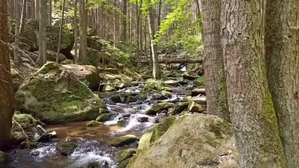 Malé vodopády do jara, Česká republika, vodopády sv. Wolfganga