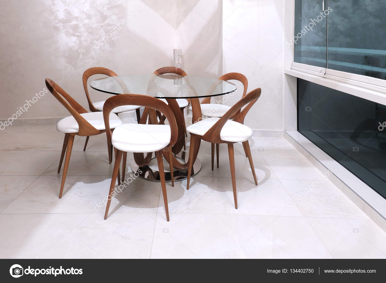 tavolo da pranzo moderno — Foto Stock © ttatty #134402750