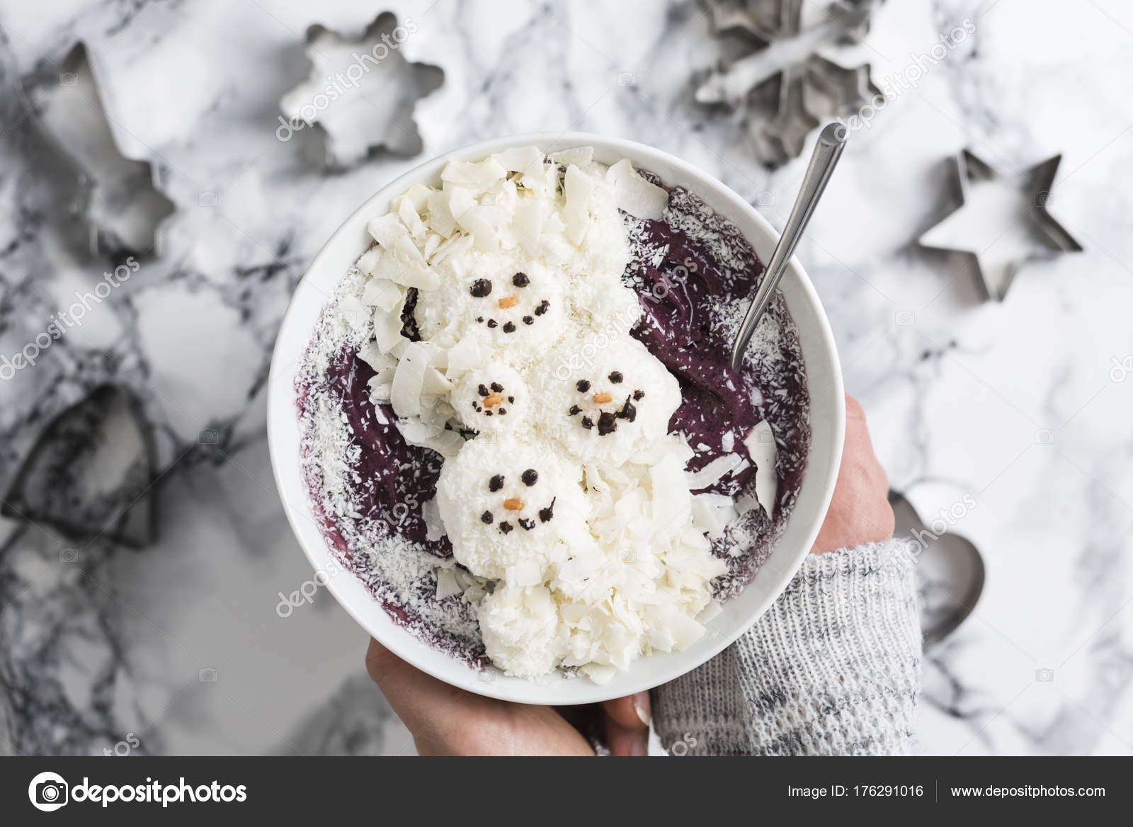 Weibliche Hände Halten Winter Weihnachten Smoothie Schüssel Mit ...