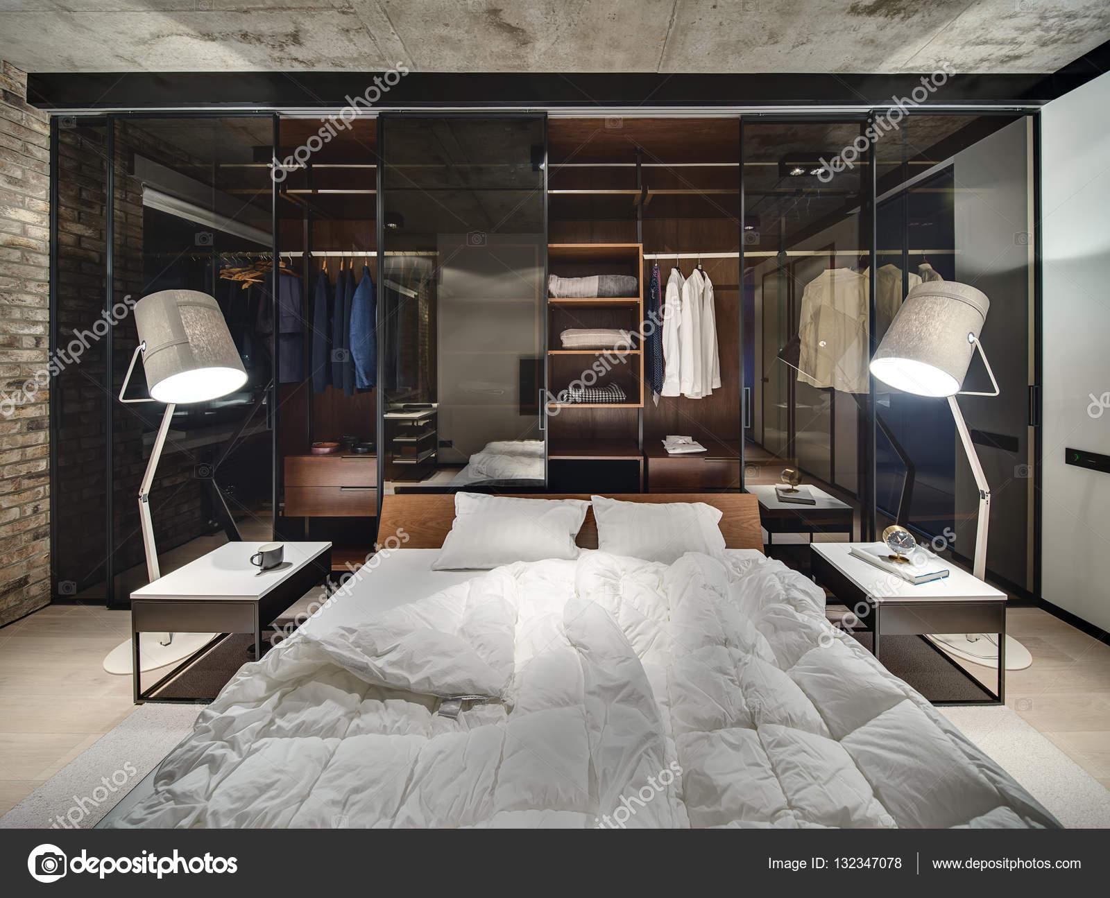 https://st3.depositphotos.com/1371678/13234/i/1600/depositphotos_132347078-stockafbeelding-slaapkamer-in-loft-stijl.jpg
