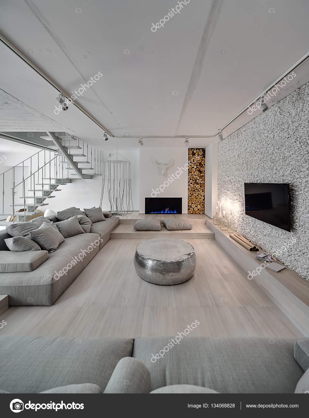 Interieur im modernen Stil — Stockfoto © bezikus #134068828