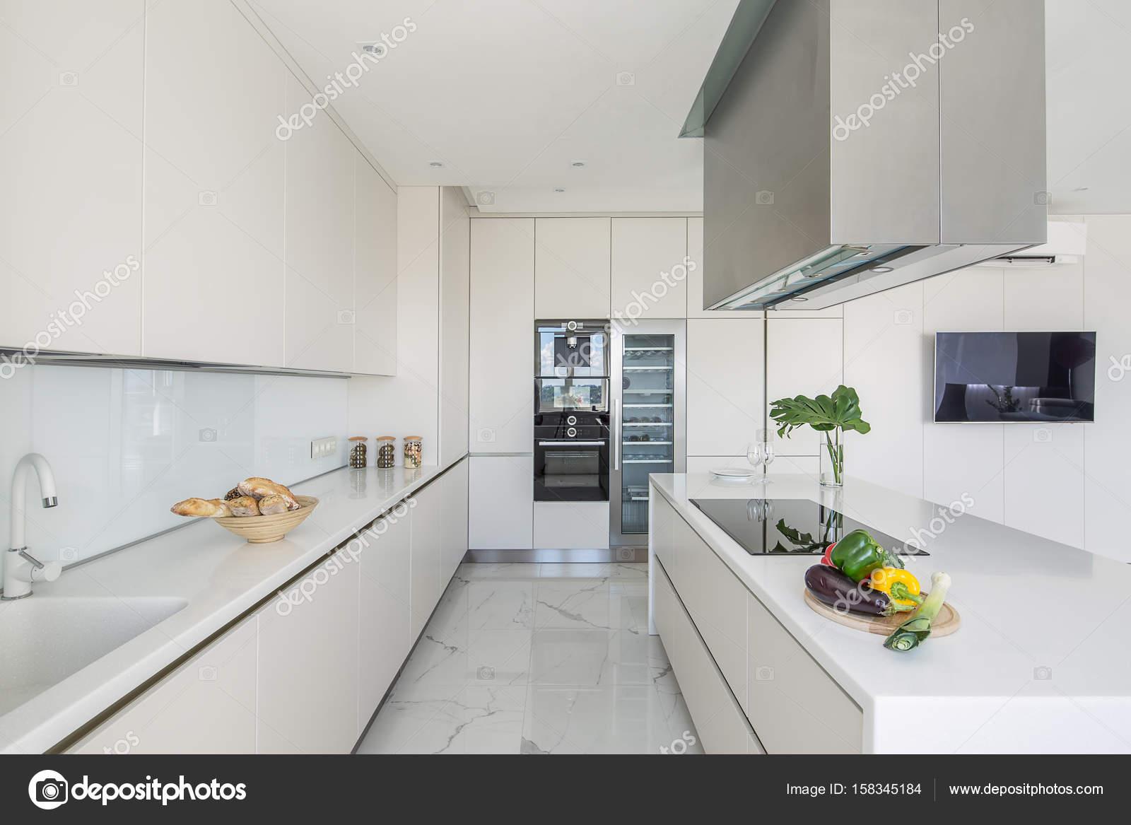 Cozinha Em Estilo Moderno Stock Photo Bezikus 158345184