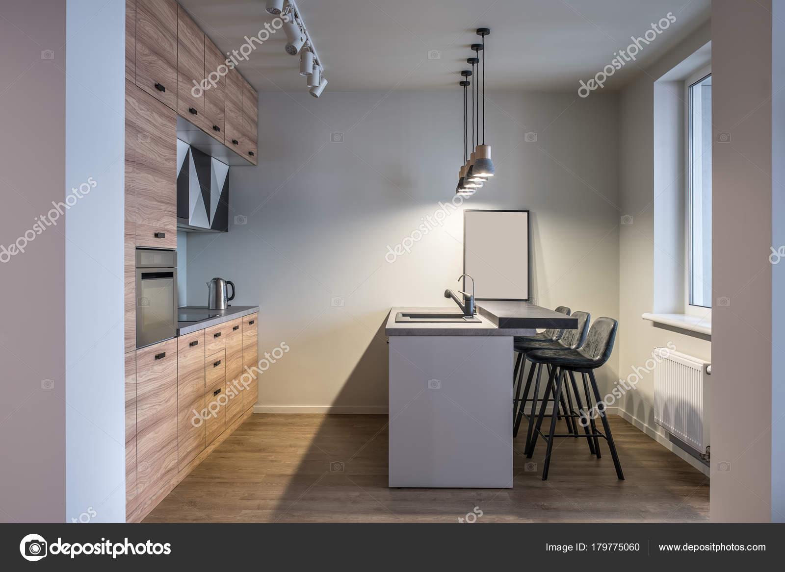 Stilvolle Küche im modernen Stil — Stockfoto © bezikus #179775060