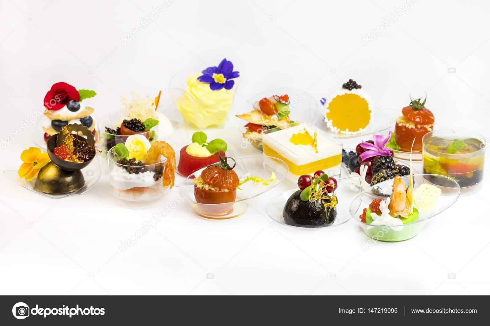 Mini Canape Avec Des Elements De Cuisine Moleculaire Photographie