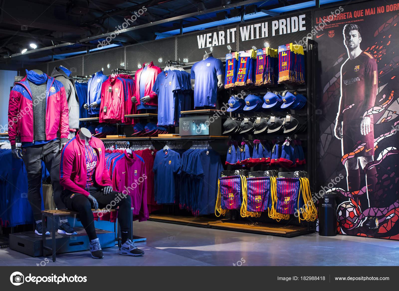 new arrival c43b3 cf212 Barcellona Gennaio 2018 Team Store Ufficiale Barcelona ...