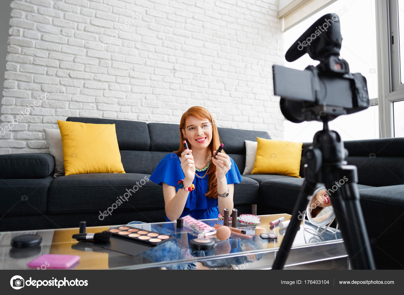 Веб камера дома с девушкой видео #7