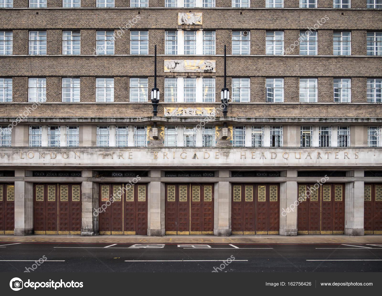 Google Hoofdkwartier Londen : London fire brigade hoofdkwartier u2014 stockfoto © pxl.store #162756426