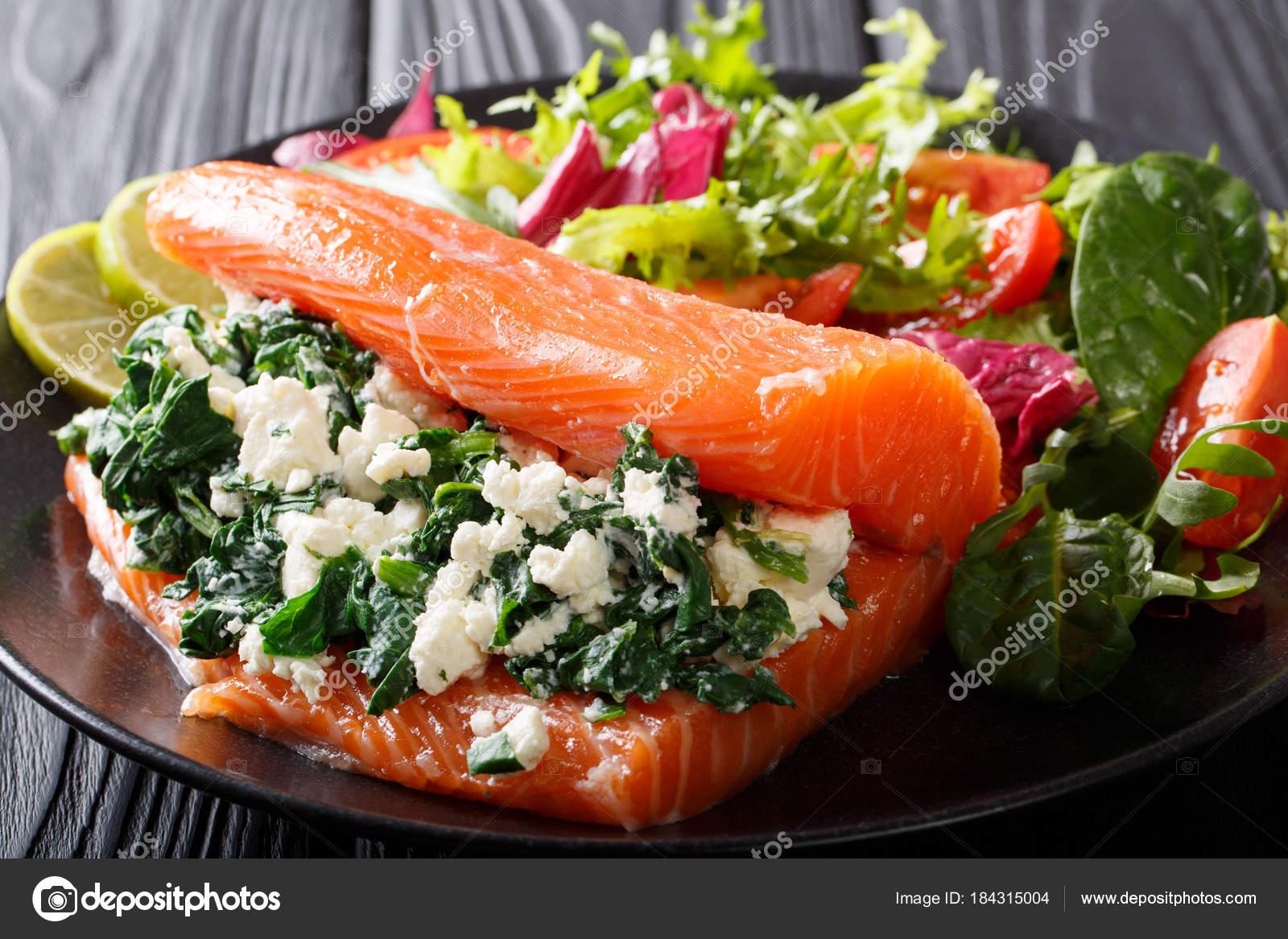 Pyszne Zdrowe Jedzenie Solone Lososia Faszerowane Szpinakiem I C
