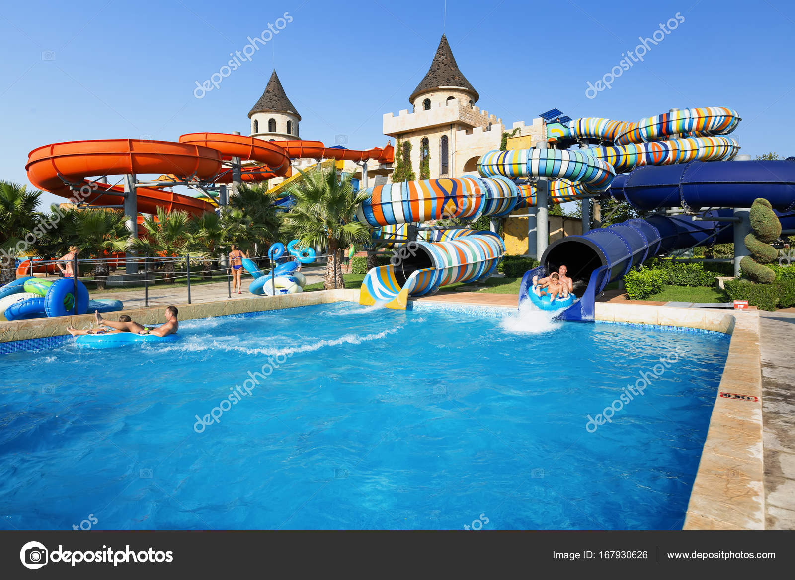 Aqua paradise nessebar bulgarie 10 septembre 2017 vue for Aqua 2000 piscine