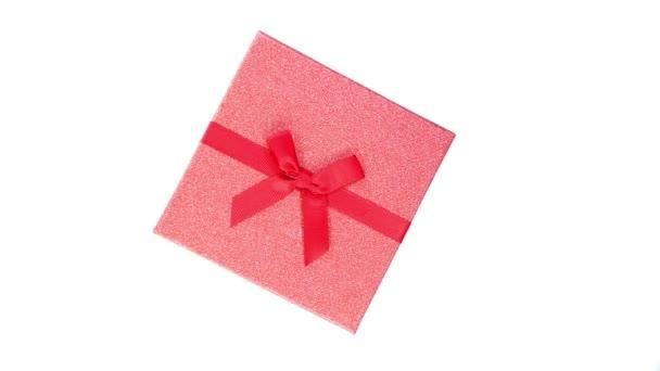 Červené GiftBox na bílém pozadí