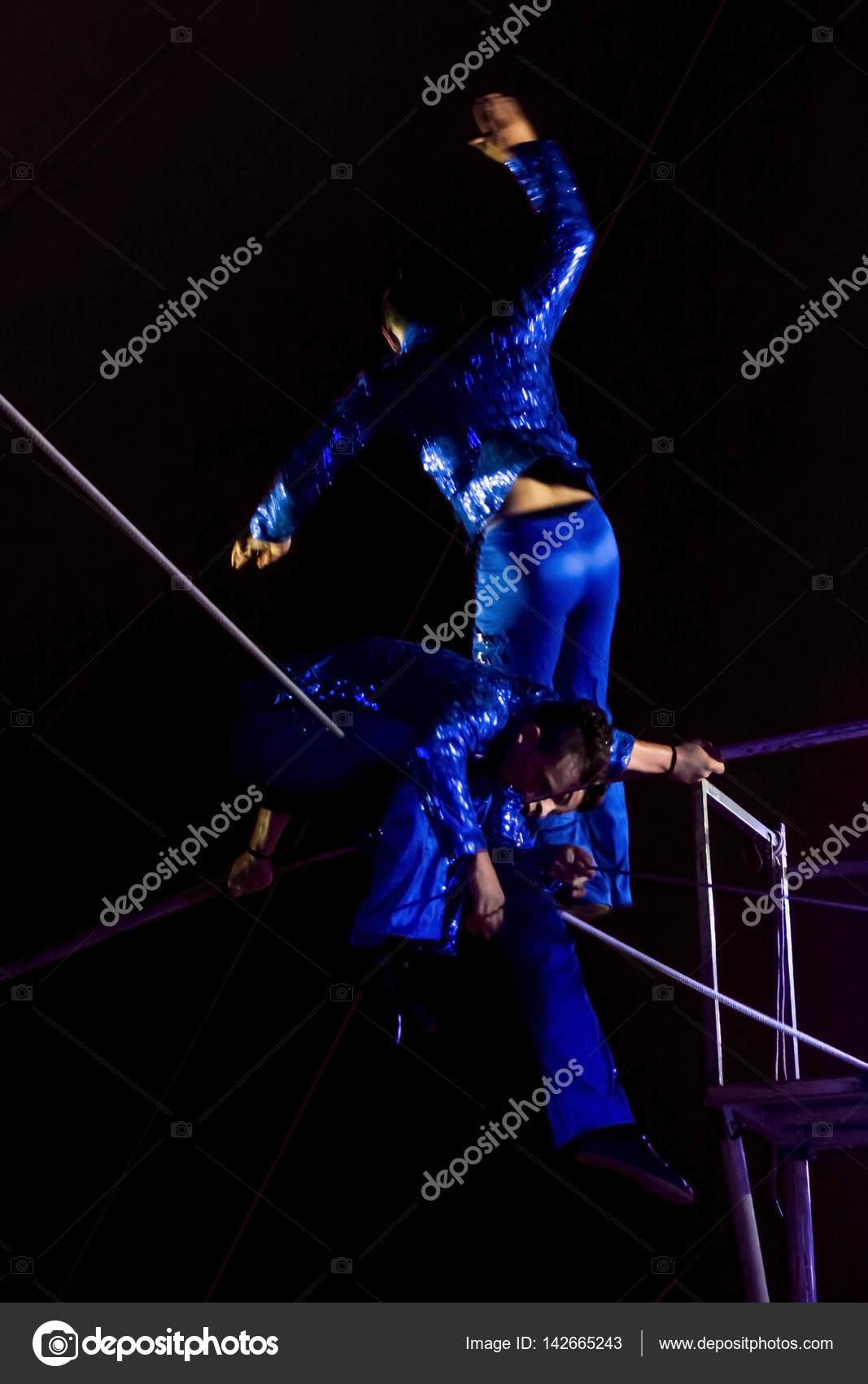 Equilibrio en el aire — Foto editorial de stock © belizar #142665243