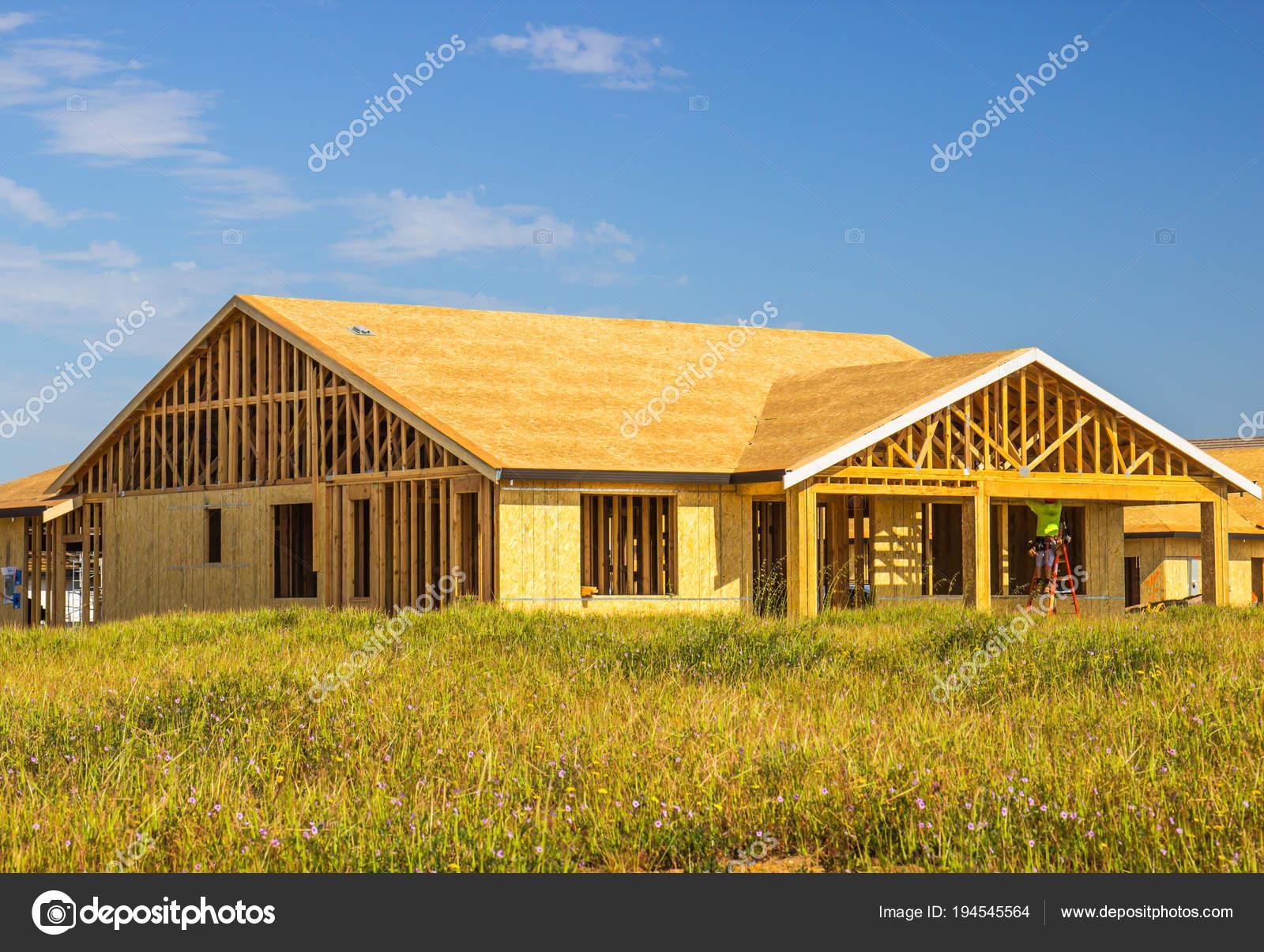 Enmarcado en una historia nueva construcción casa — Foto de stock ...