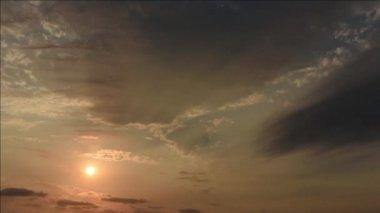 Időközű, naplemente