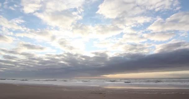 Idő telik el az óceán felett ég