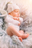 spící novorozeně, po celé délce