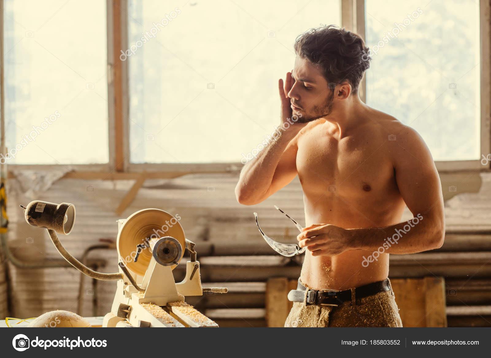 Modelli di lavoro nude