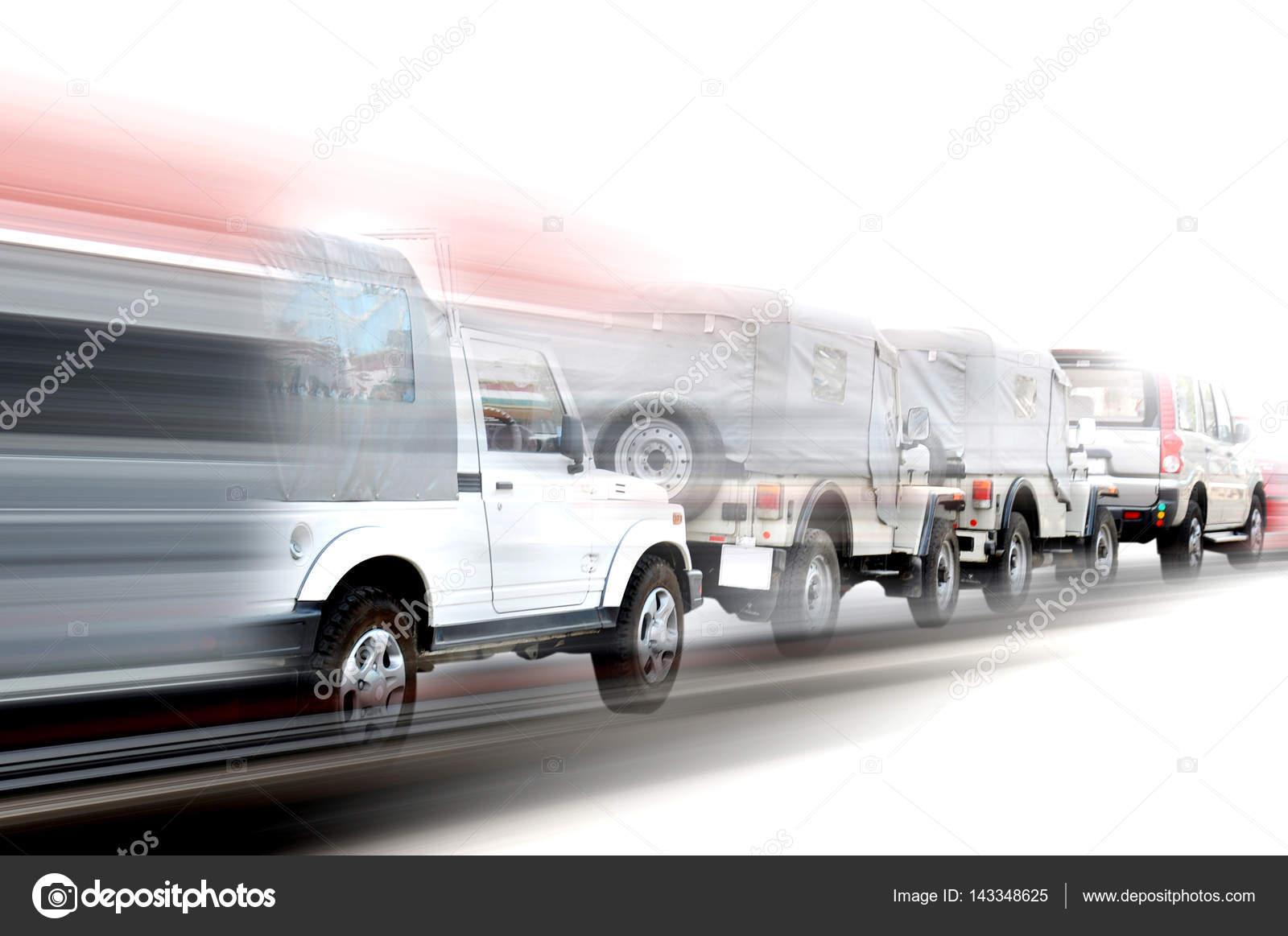 schnelle Autos in einer Reihe — Stockfoto © magagraphics #143348625