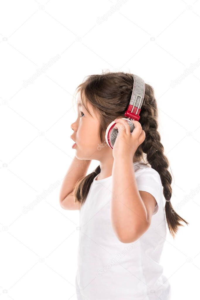 asian kid listening music