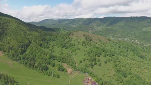 Horský hřeben a panorama hor
