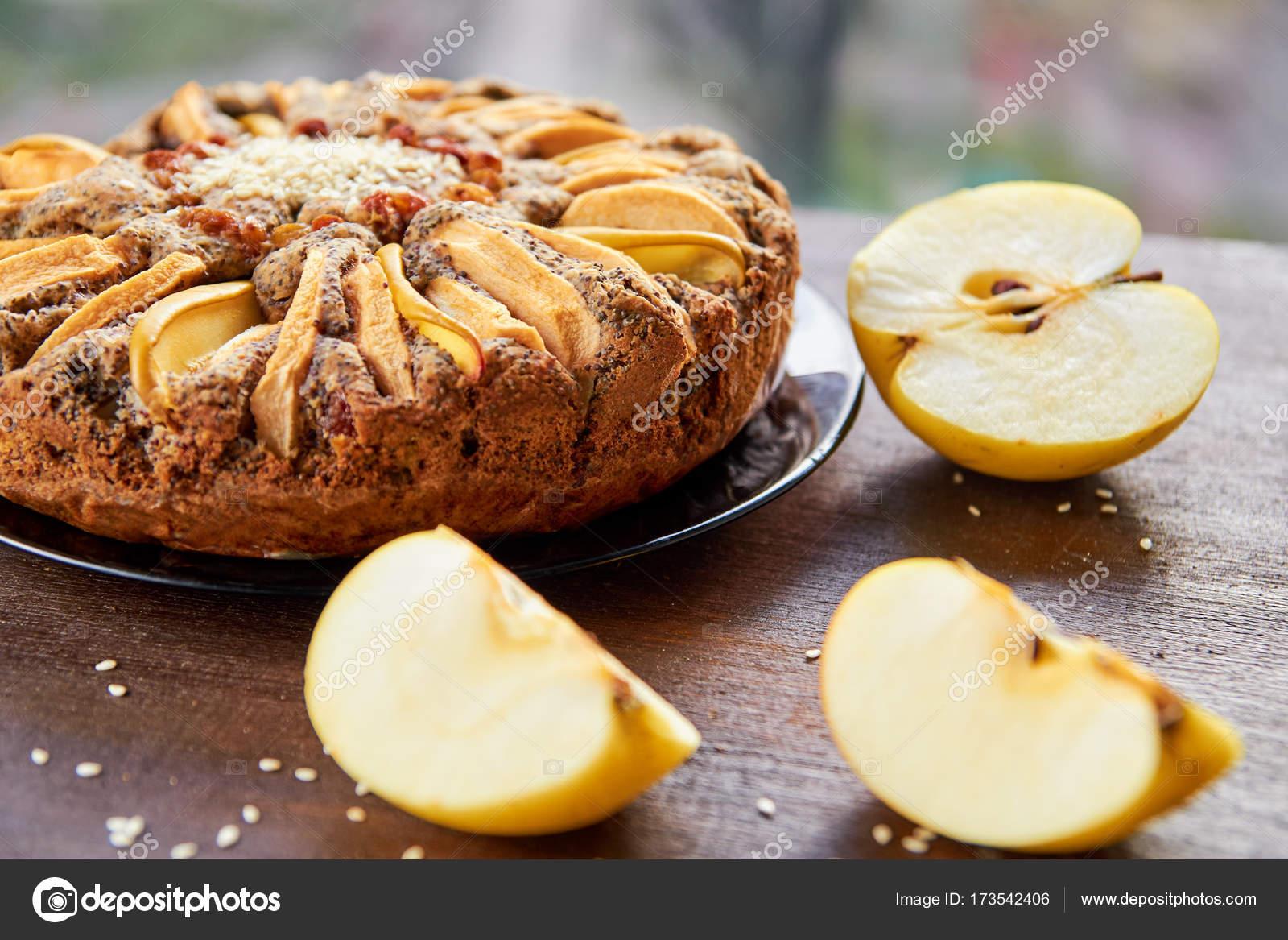 Яблочные кексы с маком, корицей, айвой и даже ирисками: рецепты приготовления изоражения