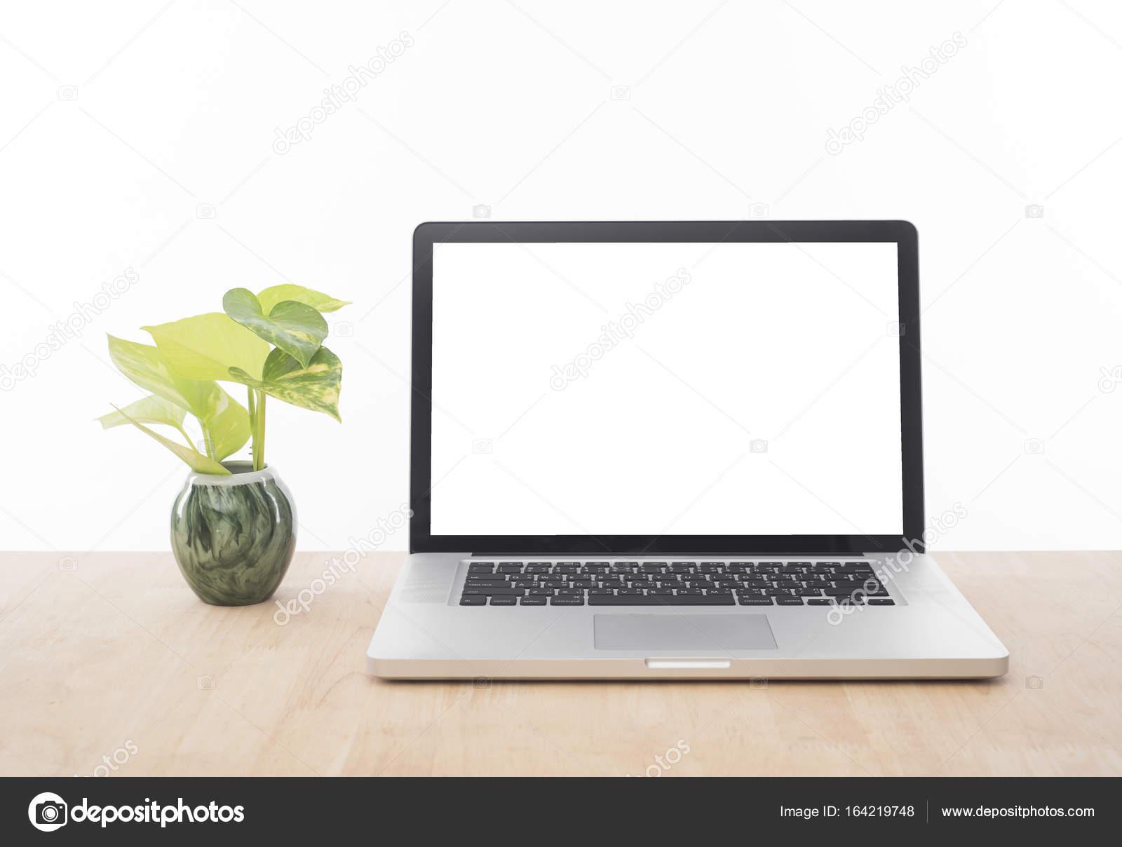 Lieu de travail avec lécran de lordinateur moderne blanc bureau