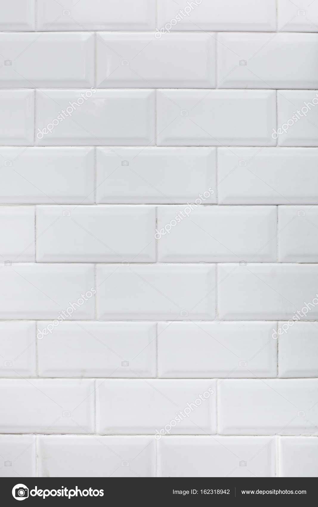 Authentische Küche weiß Fliese Wand — Stockfoto © Twomeows_DP #162318942
