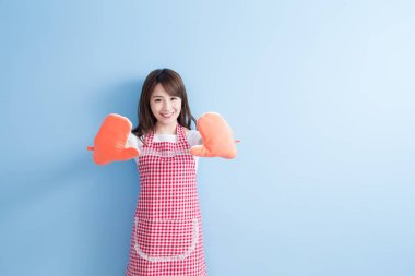 beautiful  housewife  wearing mittens
