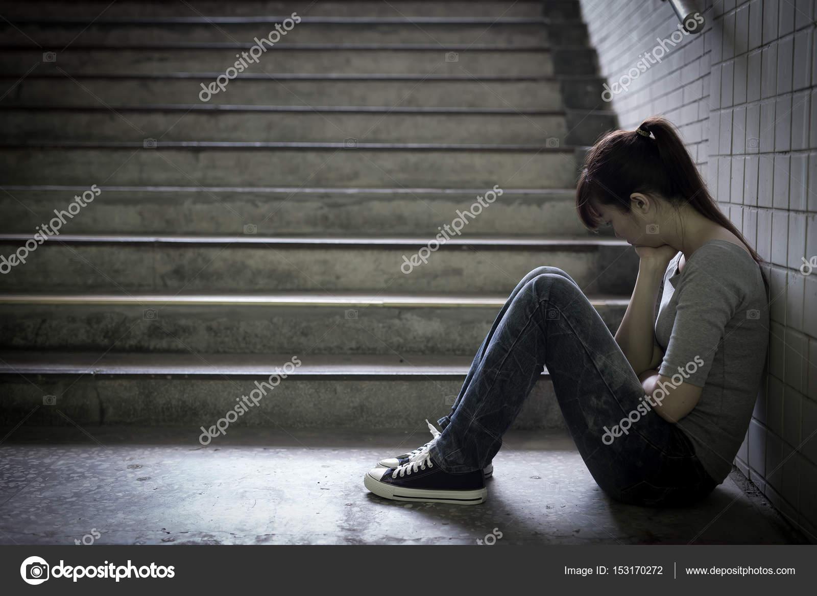 feeling upset images - HD1600×1167
