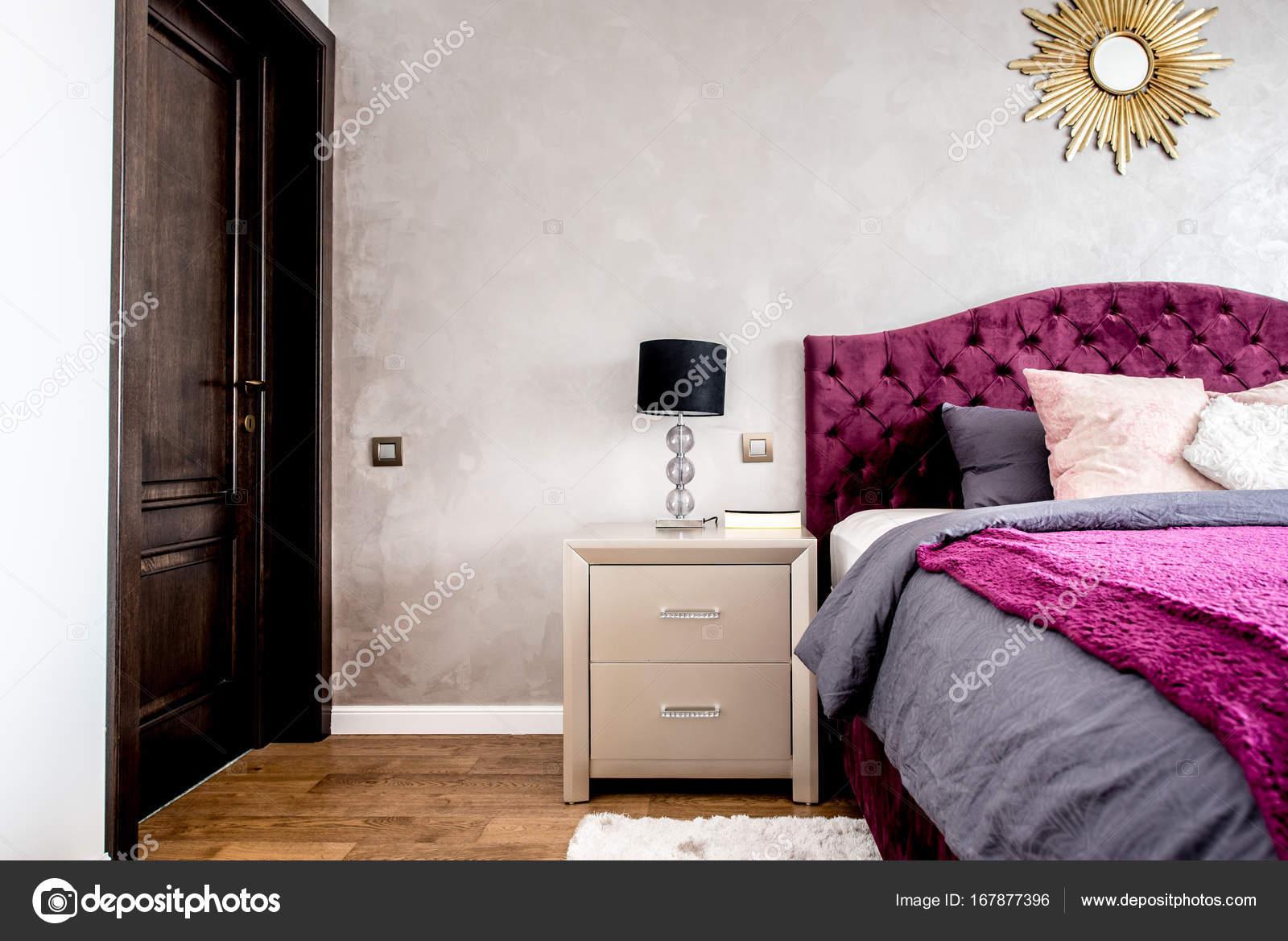 Dettagli camera da letto matrimoniale, parquet, arredamento moderno ...