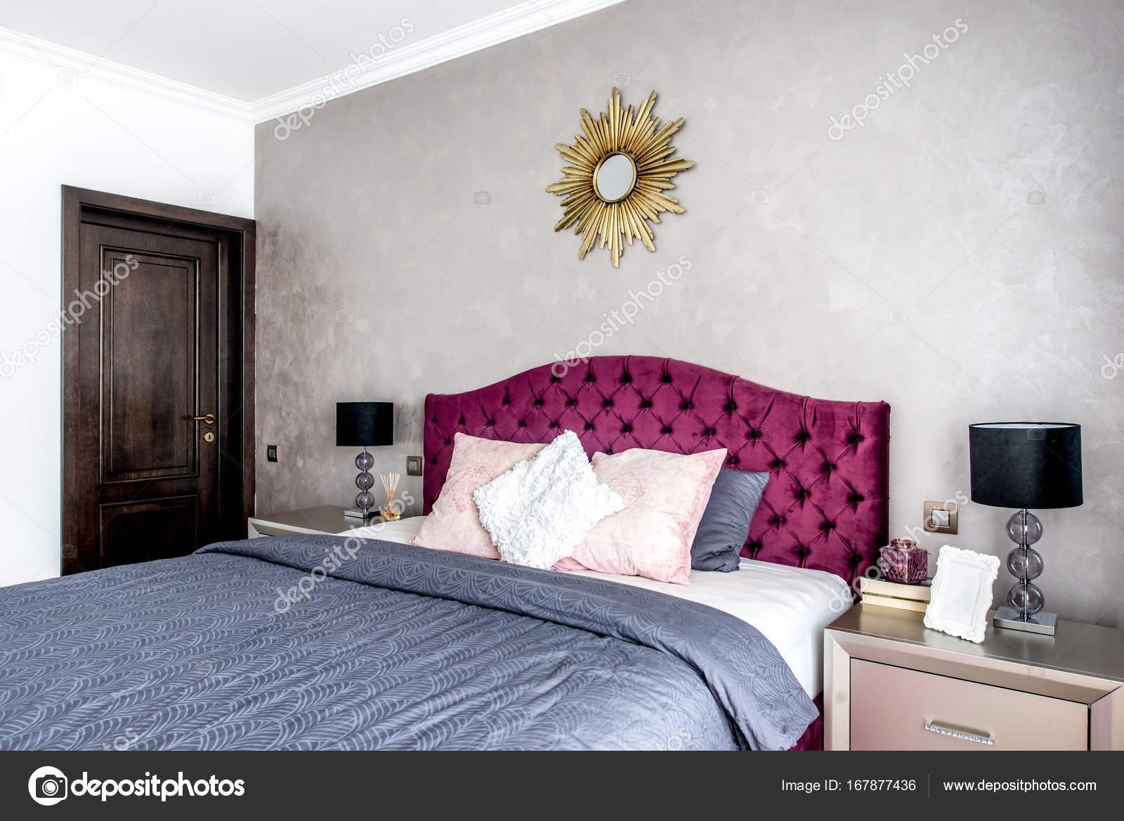 Modern Gezellig Interieur : Modern en gezellig interieur slaapkamer ontwerp u2014 stockfoto © bogdan