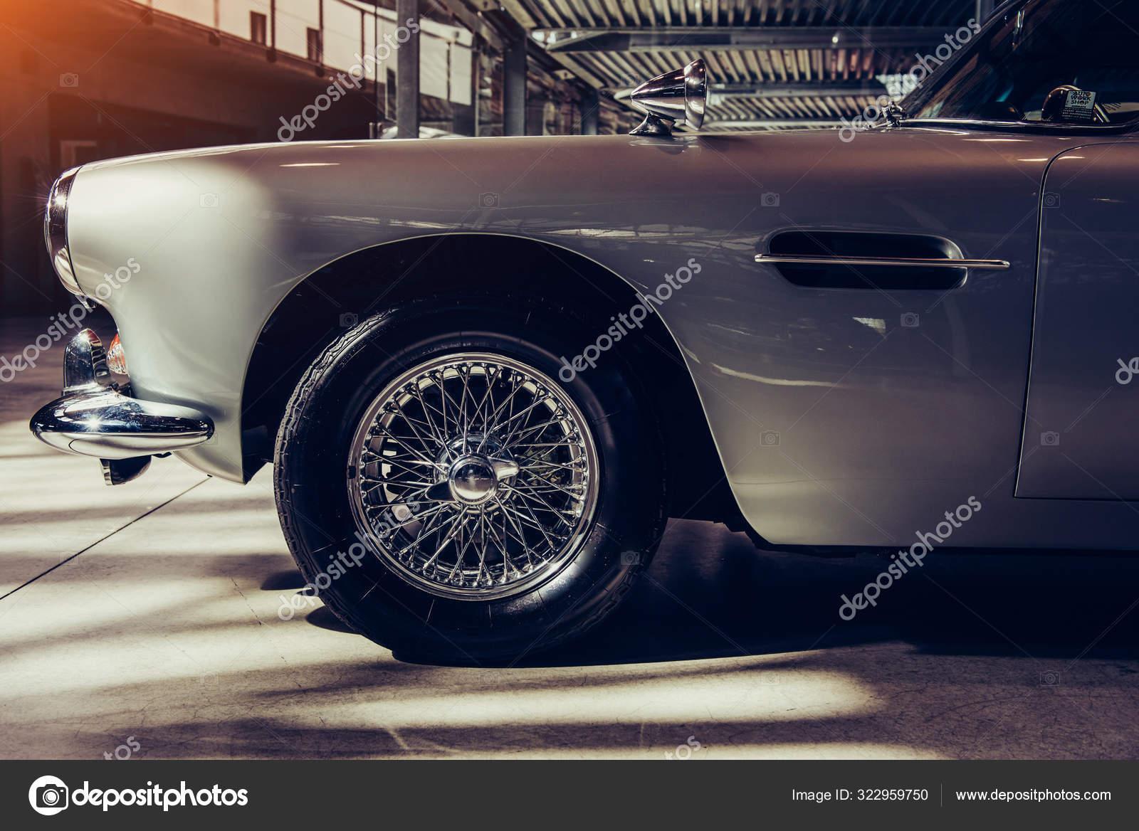 Vintage Transport Retro Car Exhibition Cars Stock Editorial Photo C Myronstandret 322959750