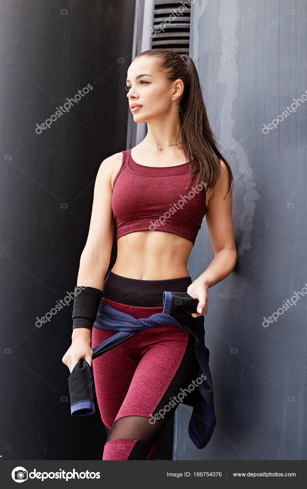 Фитнес девушка модель фото работа онлайн курчатов