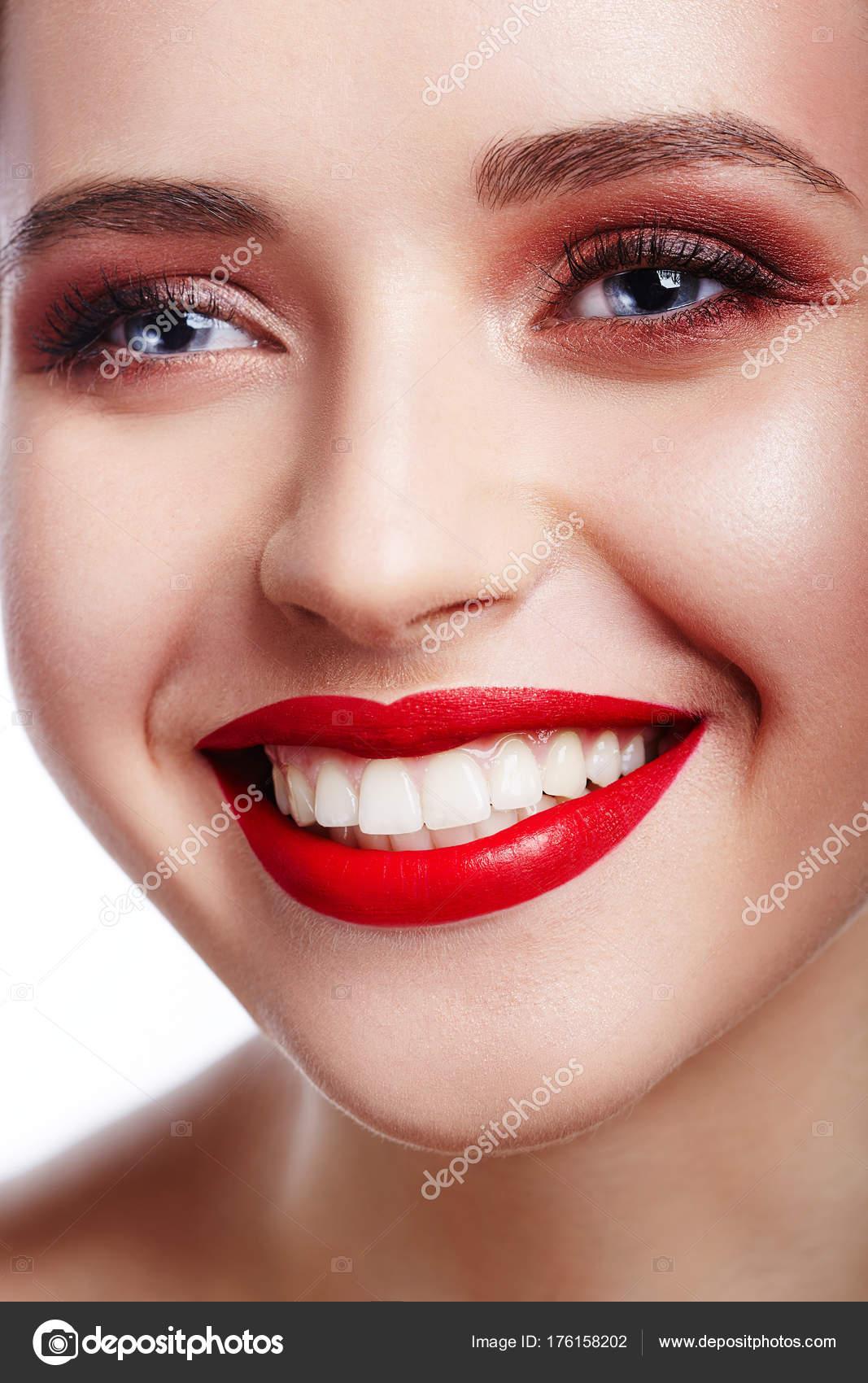 Retrato Rosto Jovem Morena Mulher Lindo Com Limpar Pele Beleza