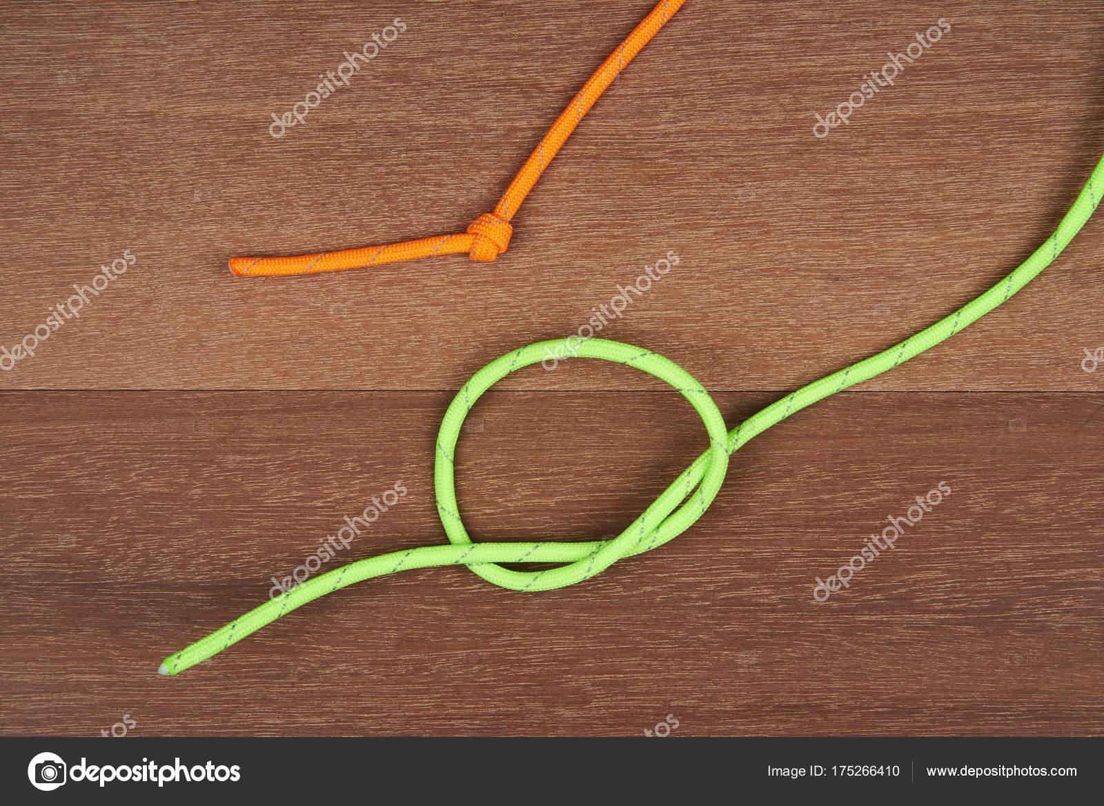 Leitfaden Sie für einen einfachen Knoten binden — Stockfoto ...