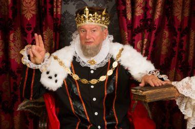 King swearing an oath