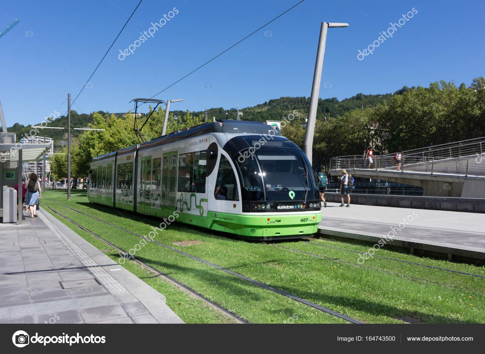 スペイン、ビルバオの地下鉄 - ...