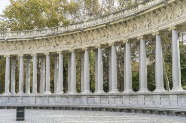 Monument, Fountains and gardens in Madrid