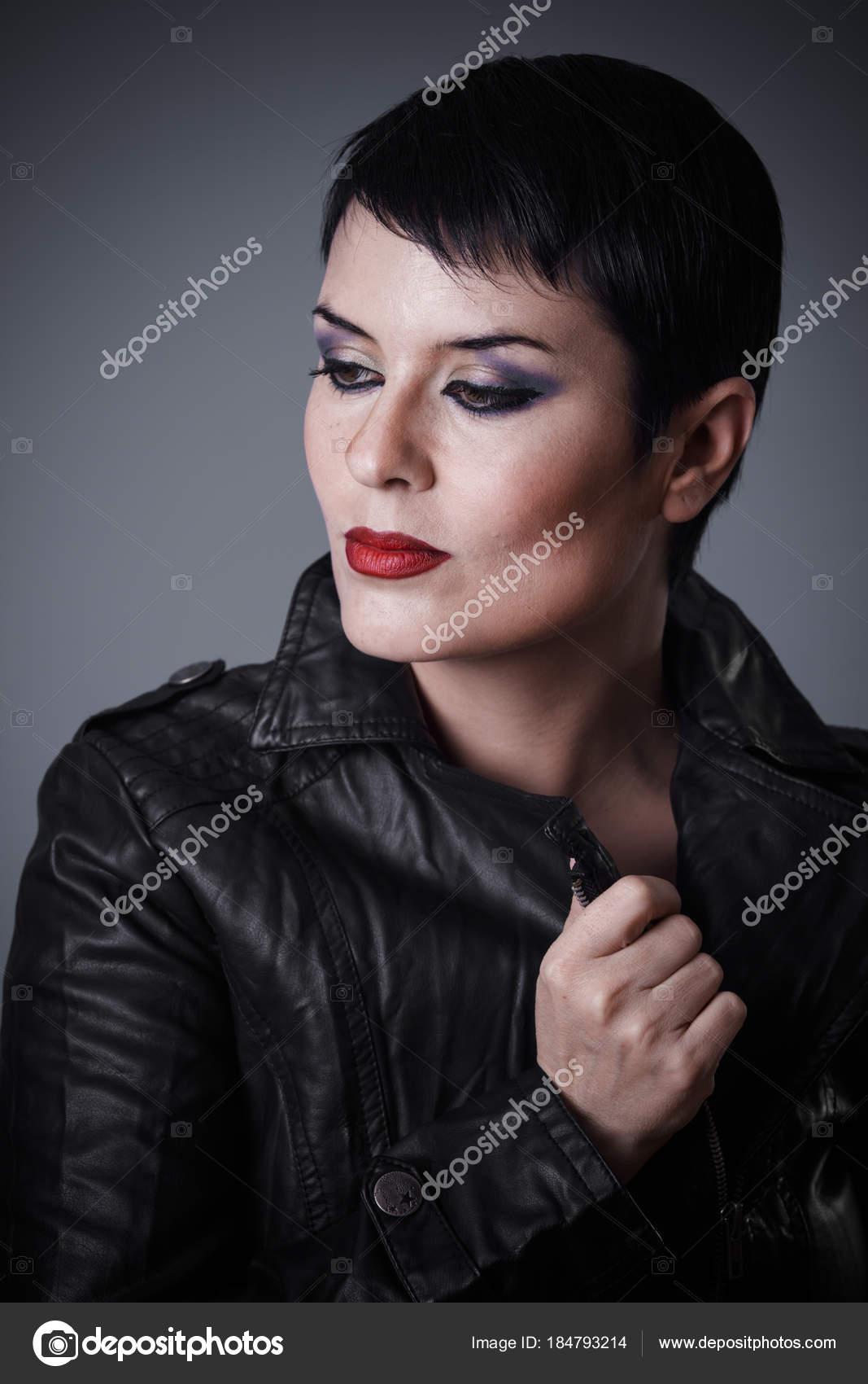 κοντά μαλλιά μαύρο λεσβιακό σέξι Πεολειξία φωτογραφίες