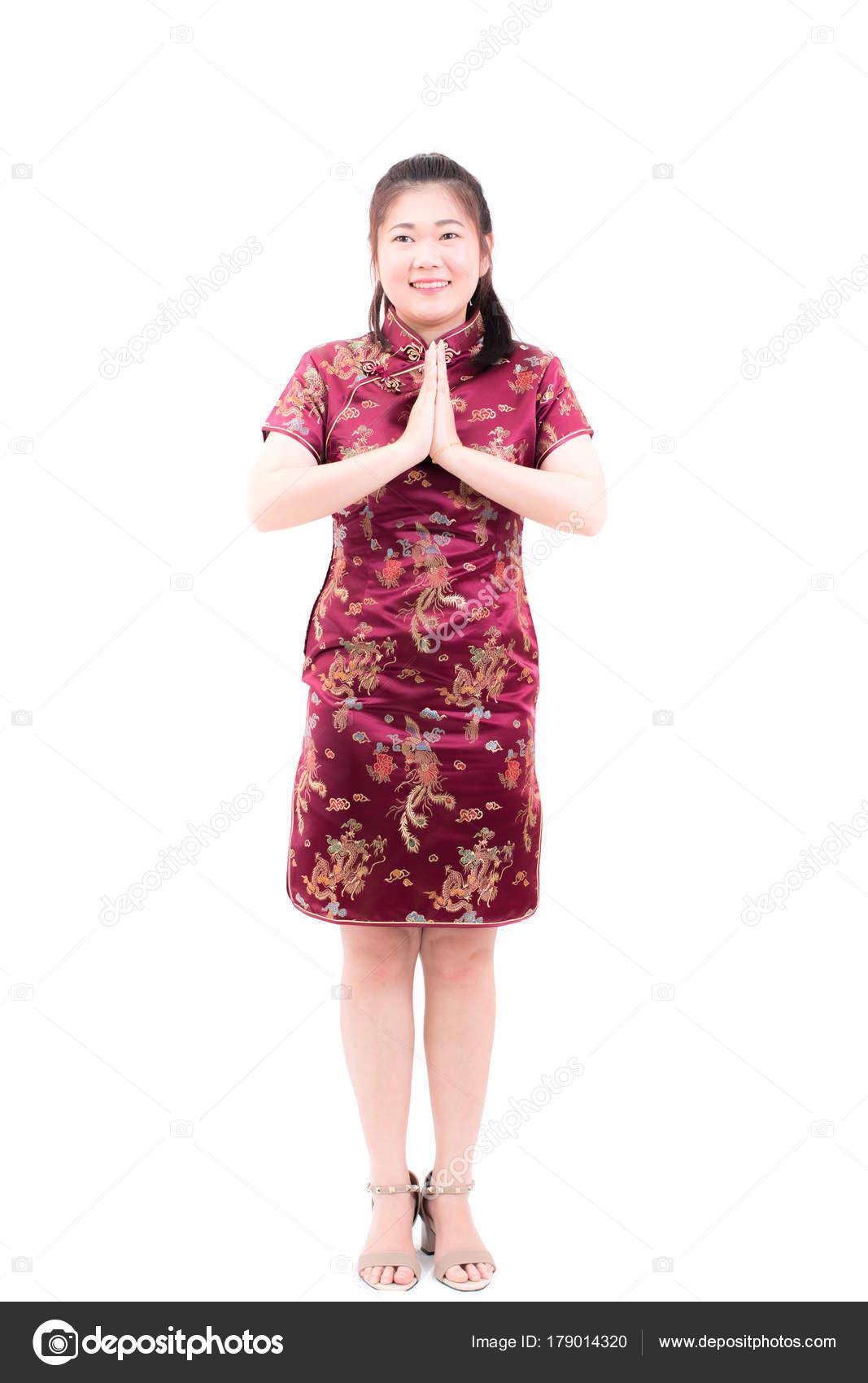 brand new c32c2 ed74e Donna asiatica che porta cinese vestito cheongsam con gesto ...