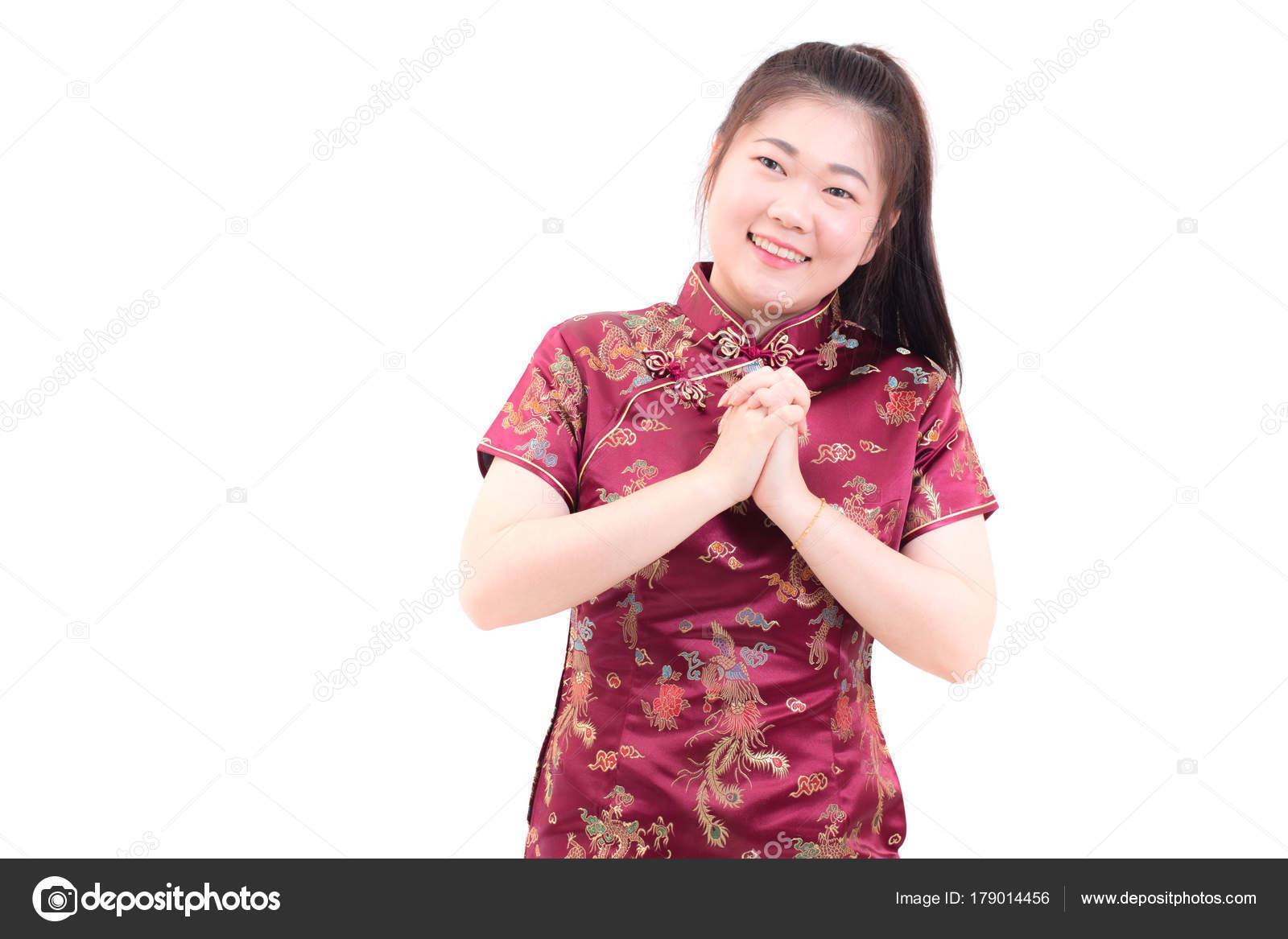 Joven asiático llevando vestido chino cheongsam tradicional con ...