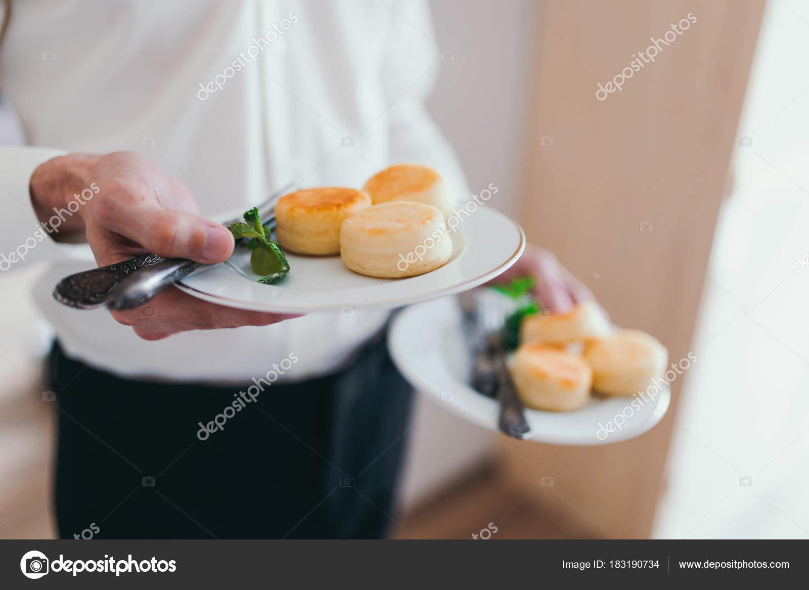 Fröhlicher Mensch Ein Gesundes Frühstück Am Morgen Guten