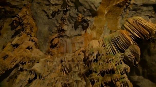 Podzemní jeskyně světa je úžasná s její magnificance
