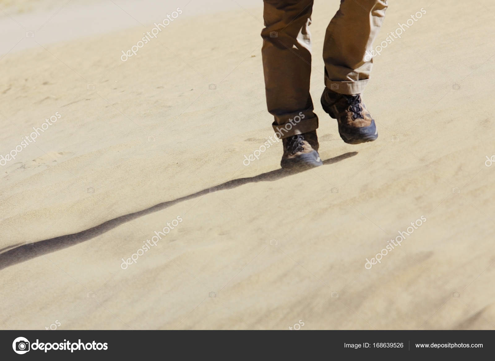 Ο άντρας με τα πόδια.