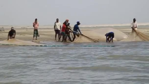 Local fishermen on in Jamuna river, Bangladesh