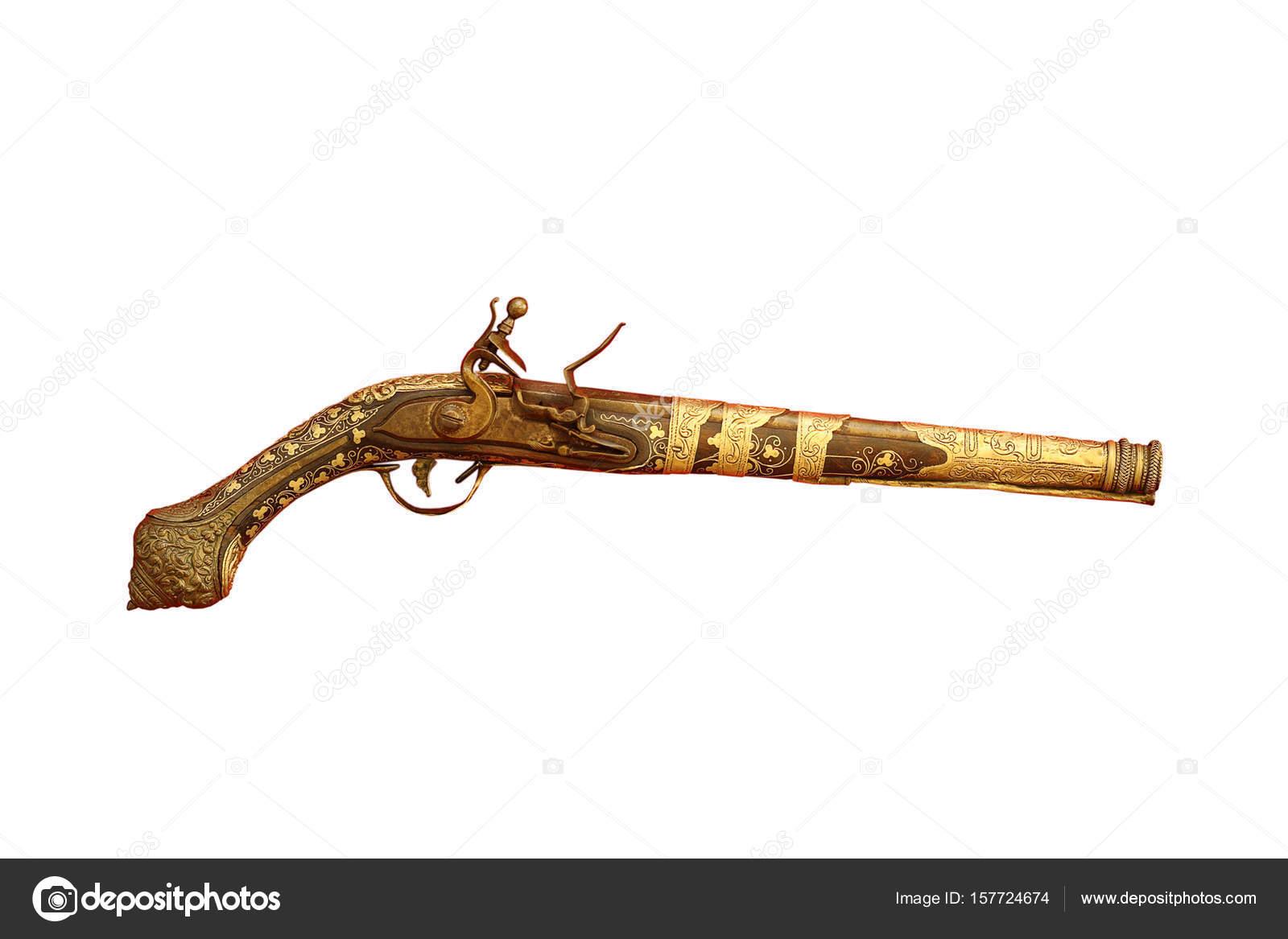 古代猎刀_很老的手枪上白色孤立 — 图库照片©taviphoto#157724674
