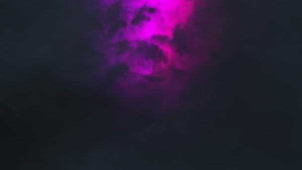 Bouřky obloha mraky v noci s barevný lightning realistické animace Timelapse - nové unikátní přírodní kvality zobrazit videozáznam
