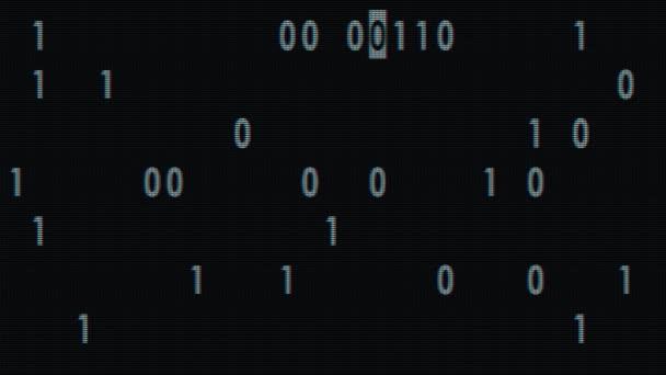 bílé bynary kód rychle náhodný psát na staré led lcd displej animace pozadí smyčky - nové kvalitní retro vintage čísla dopisy kódování techno radostné video záběrů