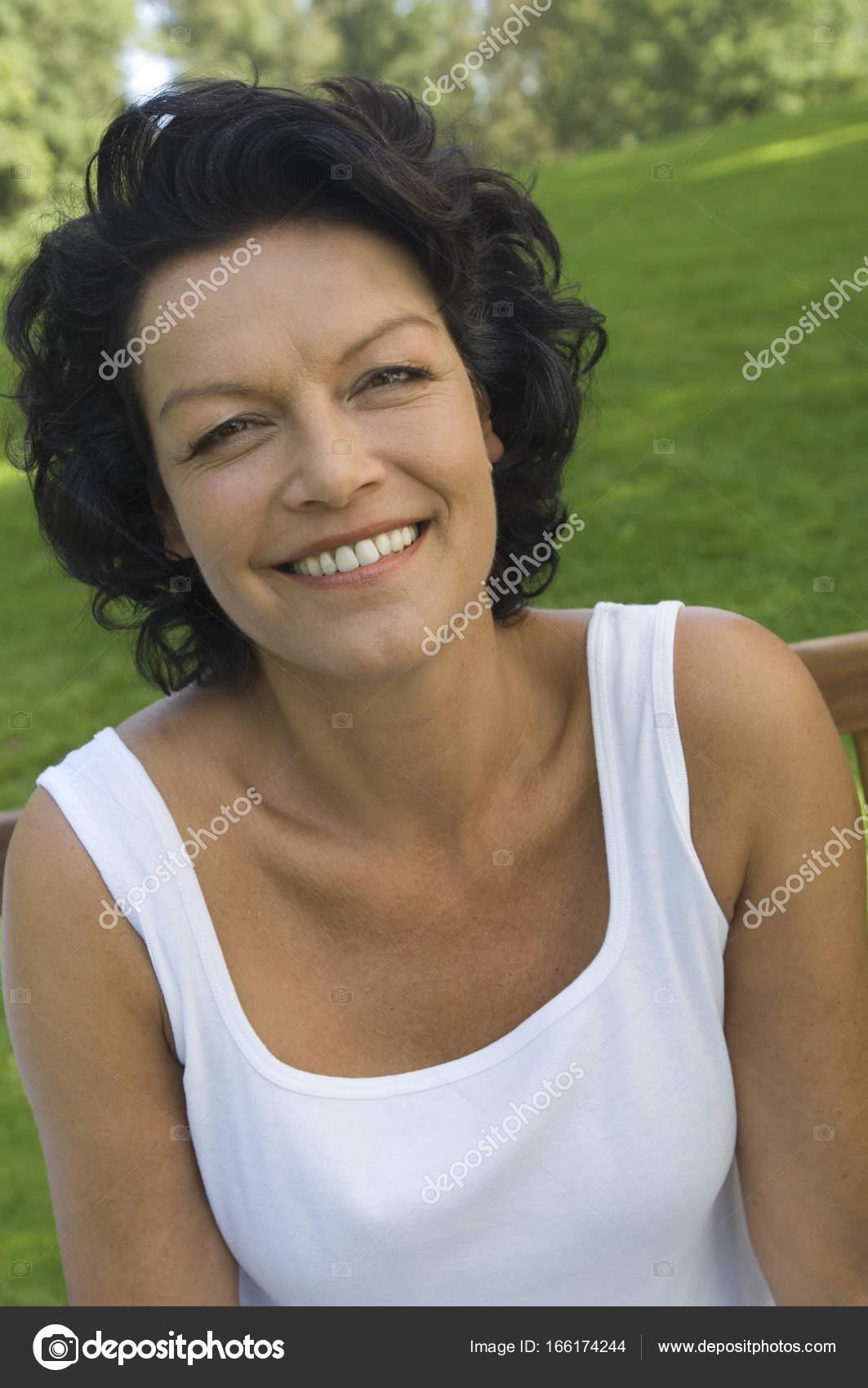 Mature adult woman — Stock Photo