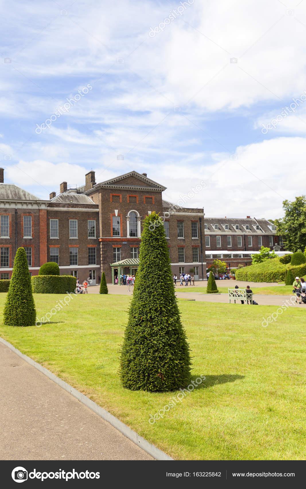 Palacio de kensington en los jardines de kensington for Jardines de kensington