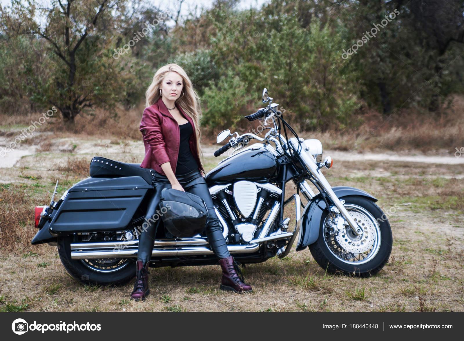Salutations kissiennes. - Page 21 Depositphotos_188440448-stock-photo-beautiful-biker-woman-motorcycle-outdoor